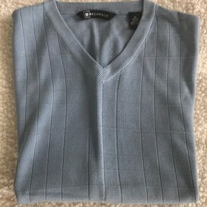 Men's knit v-neck vest
